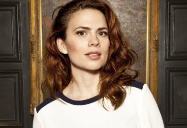 Hayley Atwell dublará Lara Croft na animação para a Netflix